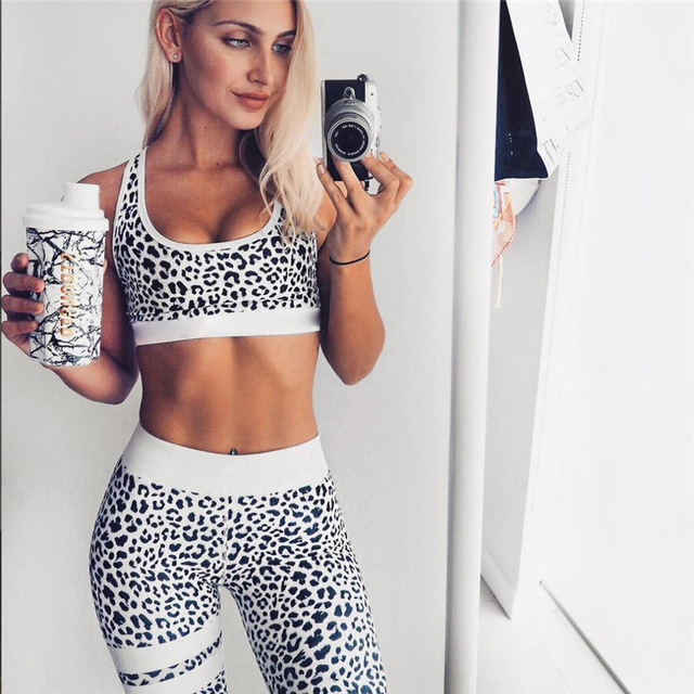 Women's Fitness Suits Crop Tank Top And Legging Pants 2 Pieces Set Summer Fashion Ladies Sexy Workout Leopard Printed Tracksuit 4