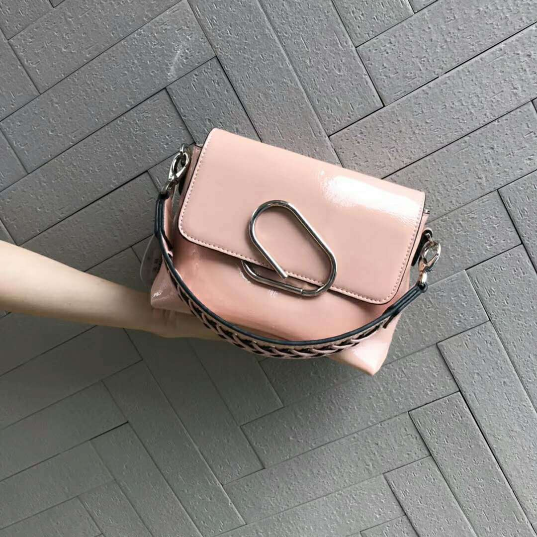 Leather Girl Bag 2018 New Knitted Wide Shoulder Strap Lacquer Cowhide Brands Luxury Shoulder Shoulder Bag Women Pin HandbagLeather Girl Bag 2018 New Knitted Wide Shoulder Strap Lacquer Cowhide Brands Luxury Shoulder Shoulder Bag Women Pin Handbag