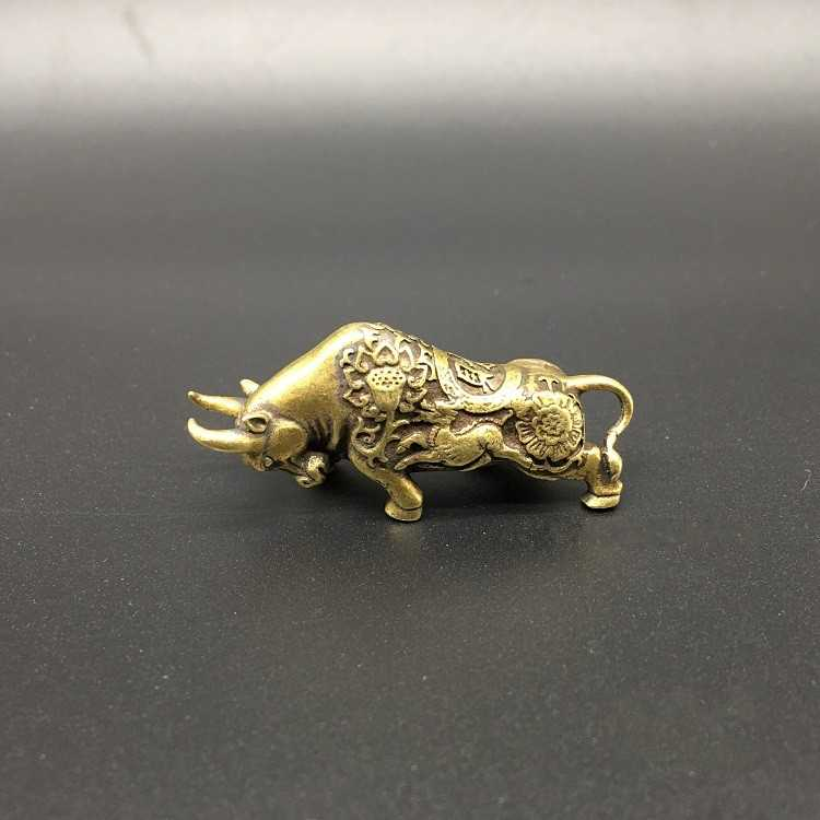 Collectable Chinese Brass Carved Animal Zodiac Cattle Exquisite Small Statues