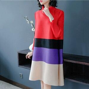 Image 4 - LANRMEM 2020 אביב קיץ אופנה חדשה קפלים בגדי נשים ארוך שרוול גולף אלסטי ניגודיות צבע שמלות YH295