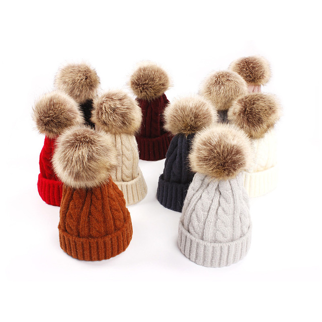 39be3d2698e 2PCS Set Family Matching Hat Mom And Baby Knitting Keep Warm Hat Family  Matching Wool Caps Woman Winter Hat Kids Hat