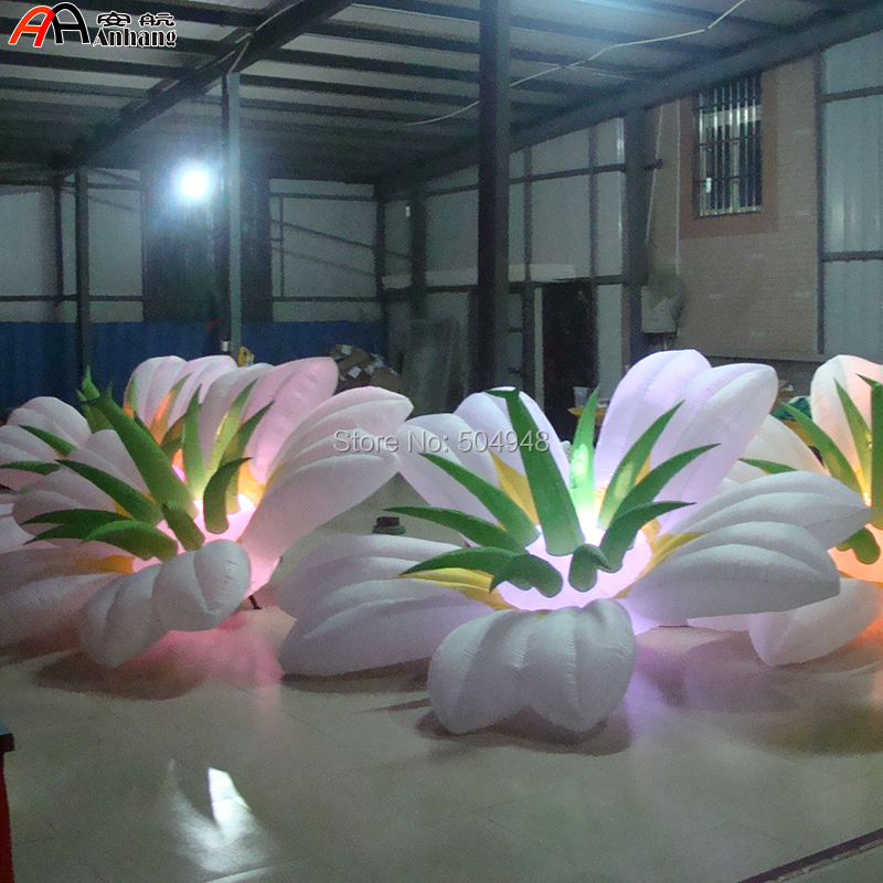 Lighted inflatable flowers for decoration (hanging and placing on ground all available)Lighted inflatable flowers for decoration (hanging and placing on ground all available)