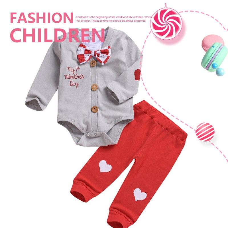 2019 nuevo de San Valentín ropa de bebé conjuntos 3 piezas ropa de niño conjunto de pajarita Camisa + abrigo + Pantalones Bebé chico Caballero traje conjuntos