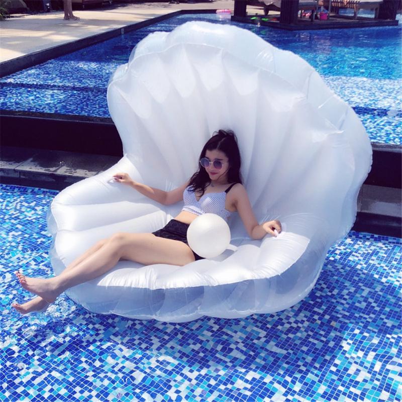 Coquille gonflable forme eau canapé flottant Air lit eau flottant rangée coussin pour plage piscine bord de mer