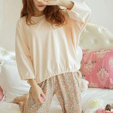 2018 Warm and Fashion Pajamas Korean Style Floral Long Sleeved Milk Silk Fabric Pajamas Set for
