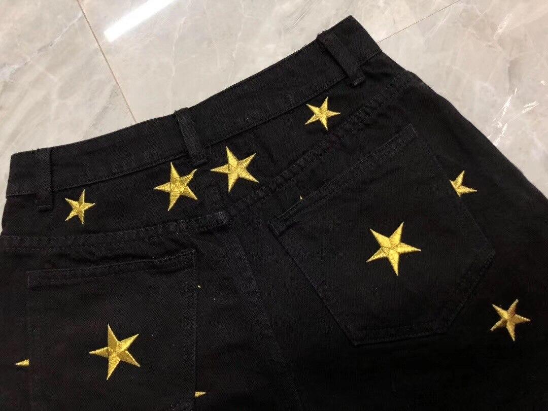 Y040 2019 sommer weibliche denim schwerindustrie bestickten shorts klassische fünfeckigen muster hose bein rand design-in Shorts aus Damenbekleidung bei  Gruppe 3