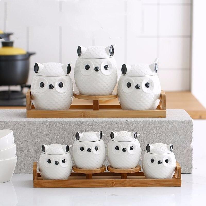 Creative ceramic kitchen seasoning jar set ceramic cumin salt cans three piece Cute owl seal tea can sugar bowl with wooden tray