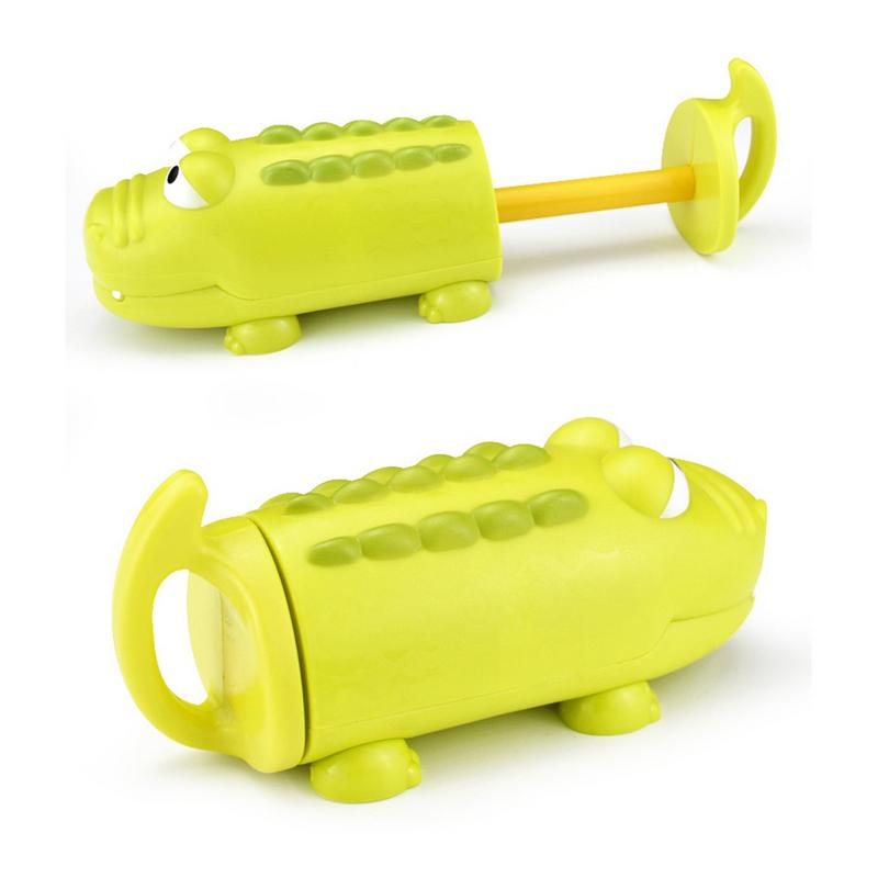 Children s Pumping Water Cannon Toy Crocodile Shark Shape Summer Beach Outdoor Swimming Pool Game Playing Water Toys for Boy Gir
