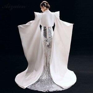 Image 3 - Nuovo Ricamo Cheongsam Lungo Da Sera Vestiti Da Partito Per Le Donne Abbigliamento Tradizionale Cinese Qipao Blu Reale di Lusso Sfilata di Moda