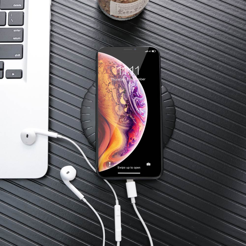 KISSCASE 5W QI Wireless Charger For iPhone 7 8 Plus X XS MAX XR USB Quick Charging For Samsung S9 S10 Fast Wireless Chargers in Mobile Phone Chargers from Cellphones Telecommunications