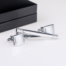 Free Shipping Men Metal Necktie Tie Bar Clasp Clip Cufflinks Set Silver Men's Cuff links And Tie Clips Set Gift QiQiWu CT-1005 rj free shipping silver star wars cuff links robot bb8 r2d2 fighter knight stormtrooper tie clips cufflinks women men jewelry