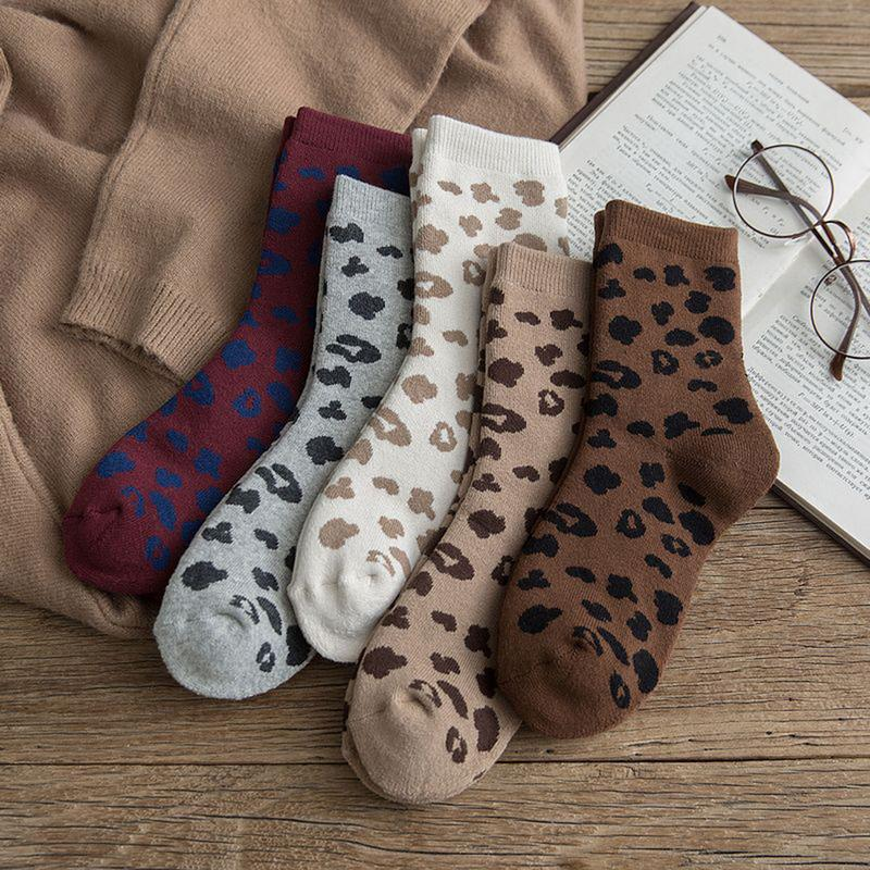 Fashion Style 1 Pair Unisex Solid Women Sock Breathable Cotton Skateboard Sock Multi-color Hot Sale Female Men Comfortable Mid-length Socks Socks Women's Socks & Hosiery