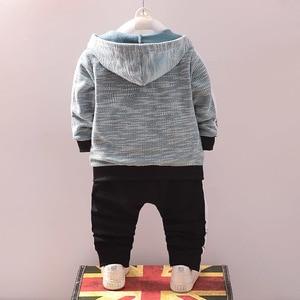 Image 2 - Mode enfants coton vêtements costumes bébé garçons sweats à capuche pour filles T shirt pantalon 3 pièces/ensemble printemps automne enfants Sport vêtements survêtement