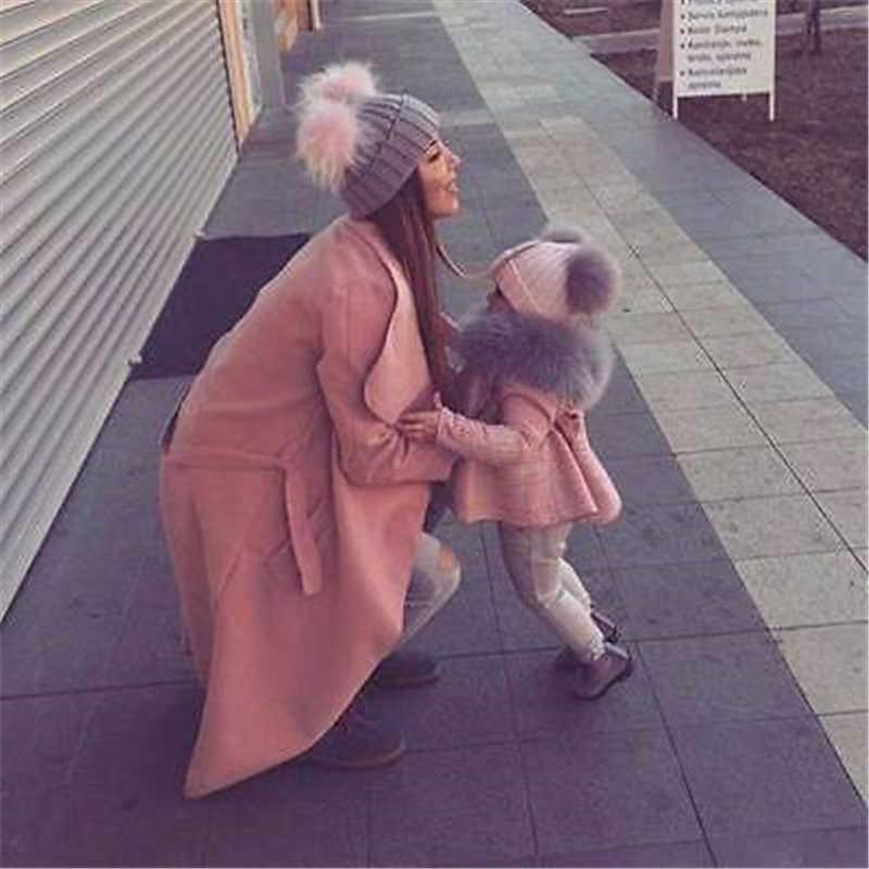 Gorro de bebé para la madre, gorro doble con Pompón, gorro de lana de Color sólido, gorro cálido para niños y niñas, gorro de invierno para niños, gorros tejidos