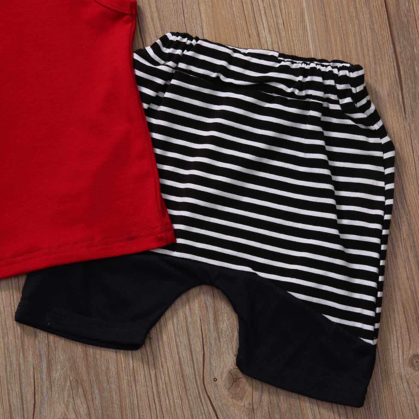 2 adet Kolsuz Kapşonlu T-shirt ve Çizgili Şort Boy yaz giysileri