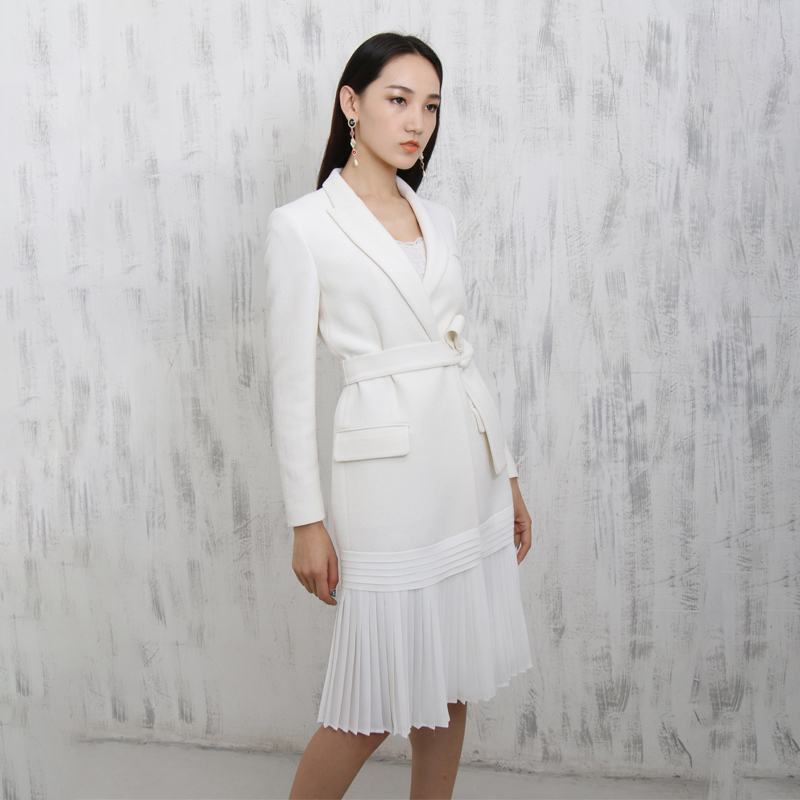 LANMREM 2019 New Fashion Notched Pleated Hemline White Personality Suit Type Dress Female s Long Sleeve