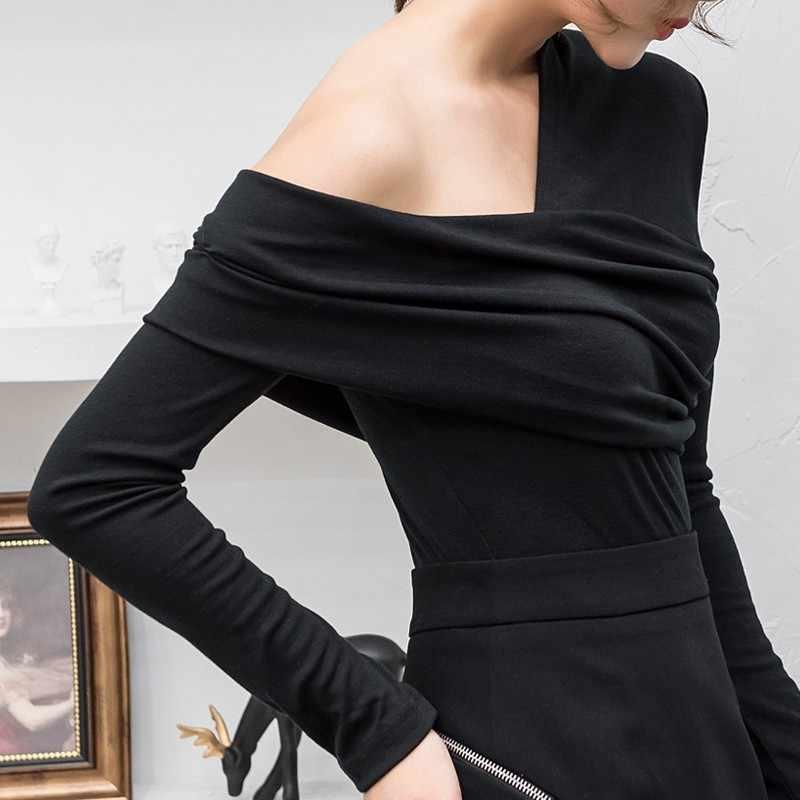 TWOTWINSTYLE весенние черные футболки с открытыми плечами женские Необычные тонкие Топы с длинным рукавом Женские Большие размеры корейская мода 2019 Новинка