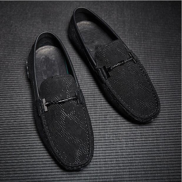 Cuir Pois Noir Mode Confortable Mocassins Chaussures 2018 Plat Mens  Véritable En Talon r0wrBzx 09a535d0c279