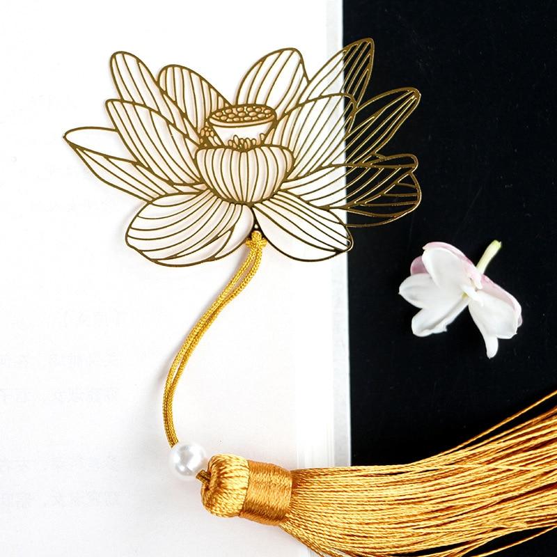 Купить с кэшбэком Vintage Chinese Style Golden Metal Hollow Lotus Tassel Bookmark Stationery Bookmark Book Clip Office Accessories School Supplies
