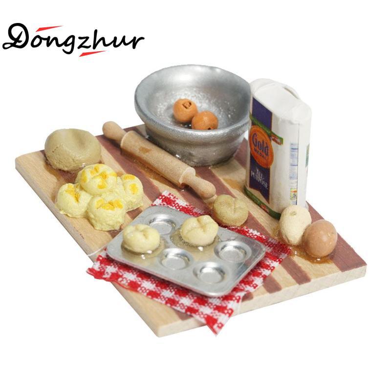 Dongzhur Miniature Dollhouse 1:12 Doll House Kitchen Mini Rich Face Point Making Table Cutting Board Flour Dollhouse Fast Food