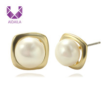 Small Fine Jewelry Stud Earrings with Pearls Square Shape Statement Gold Earrings for Women Party Boucle D'oreille Femme 2019