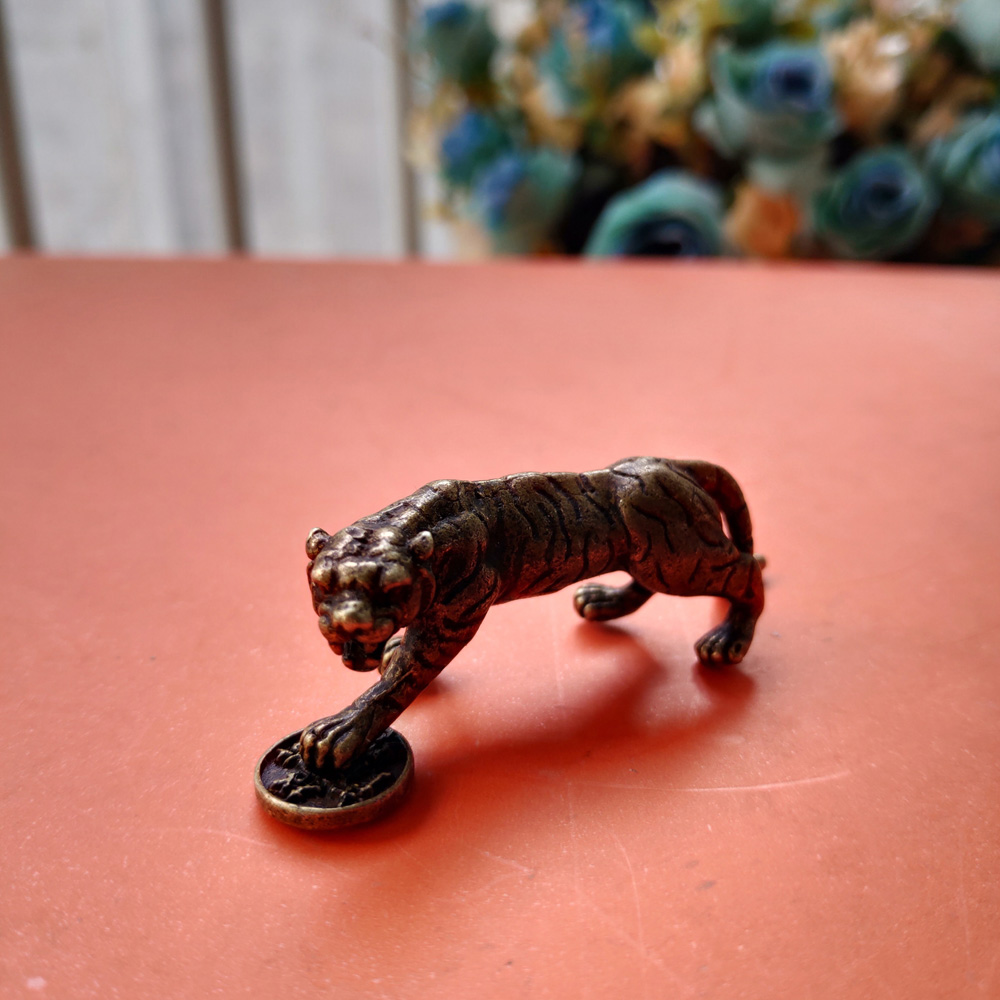 Collection Old Chinese Pure Brass Animal Tiger Yuanbao Get Rich Small Statue