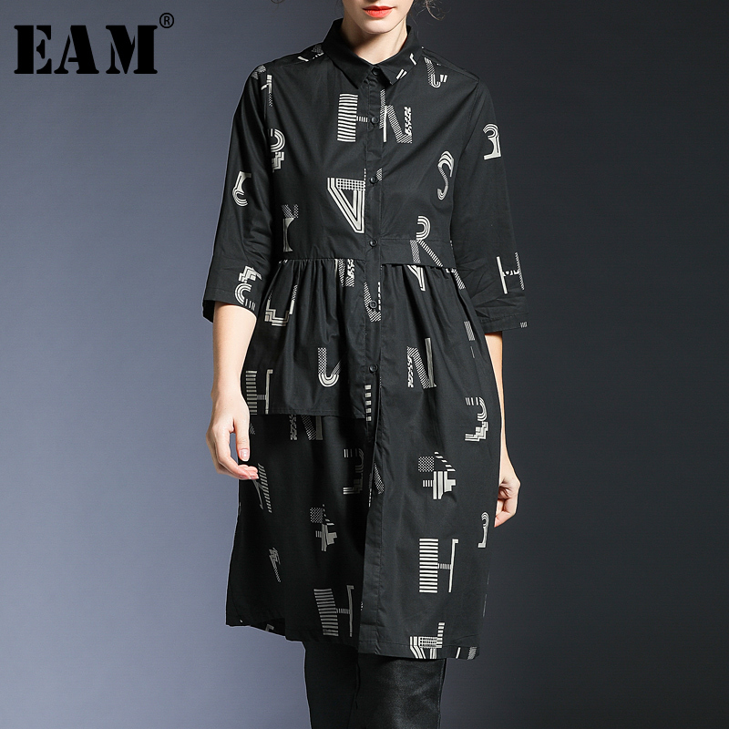 EAM 2019 New Spring Summer Lapel Three quarter Sleeve Black Loose Pattern Printed Long Shirt