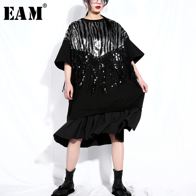 [EAM] 2019 New Spring Summer Round Neck Half Sleeve Black Sequins Stitch Pleated Tassels Big Size Dress Women Fashion JQ313