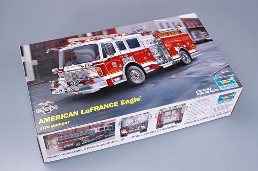Trumpeter 02506 1/25 Scale American fire Engine Truck Pumper 2002 Model Toy Car