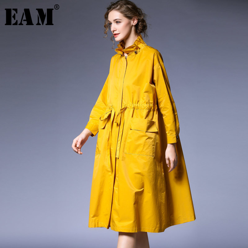 [EAM] 2019 New Spring Satnd Collar Long Sleeve Black Loose Ruffles Drawstring Big Size Windbreaker Women Trench Fashion JO404
