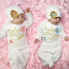 Спальный мешок с цветочной вышивкой для маленьких сестер и шапочки