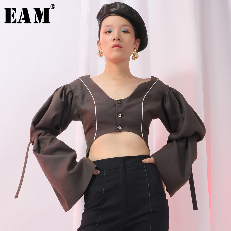 EAM 2019 New Spring V collar Long Flare Sleeve Plaid Hollow Out Sexy Short Jacket