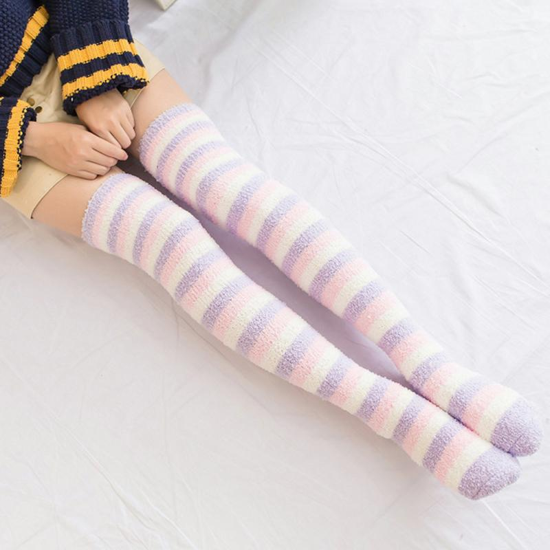 Japanese Girl Cute Striped Modeling <font><b>Knee</b></font> <font><b>Socks</b></font> Striped Cute Lovely <font><b>Kawaii</b></font> Cozy Long Thigh High <font><b>Socks</b></font> Thickened Winter Warm <font><b>Sock</b></font> image