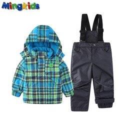 Exportación Europa niño cálido traje de esquí nieve chaqueta y pantalones de esquí impermeable mono acolchado otoño e invierno a prueba de viento de la UE tamaño 92-140