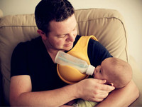 Hand held Bottle Holder Breastfeeding Device Super Milk Dad Feeding Artifact Bottle Holder
