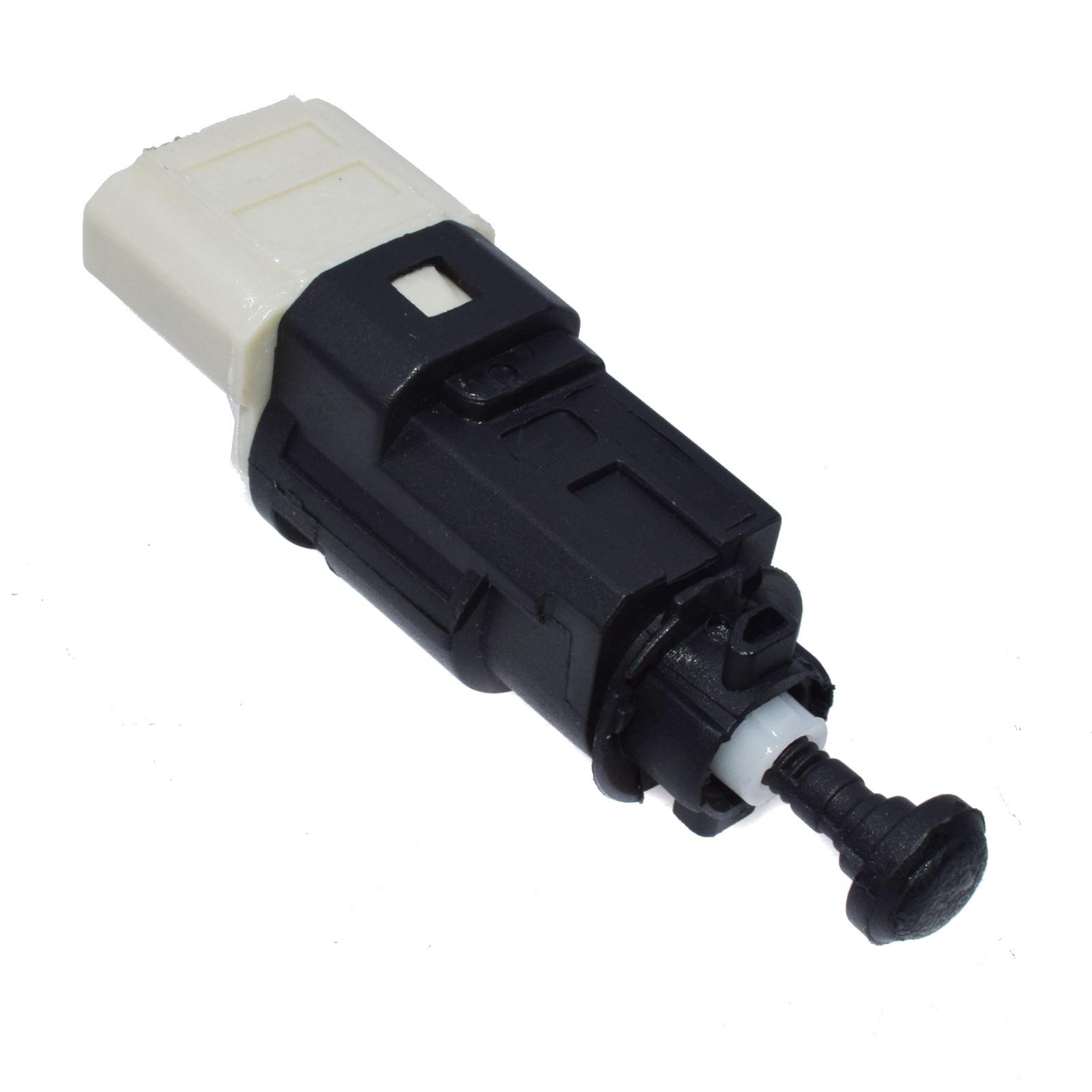 Renault Kangoo 1.9 dCi 4x4 2 Pin Genuine Lemark Brake Light Switch