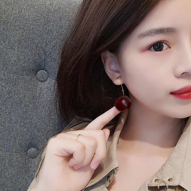 น่ารักจำลองสีแดงเชอร์รี่หวานเรซิ่นขายร้อนสีทองคุณภาพสูงสำหรับสาวนักเรียนผลไม้ 1 คู่ต่างหูของขวัญ