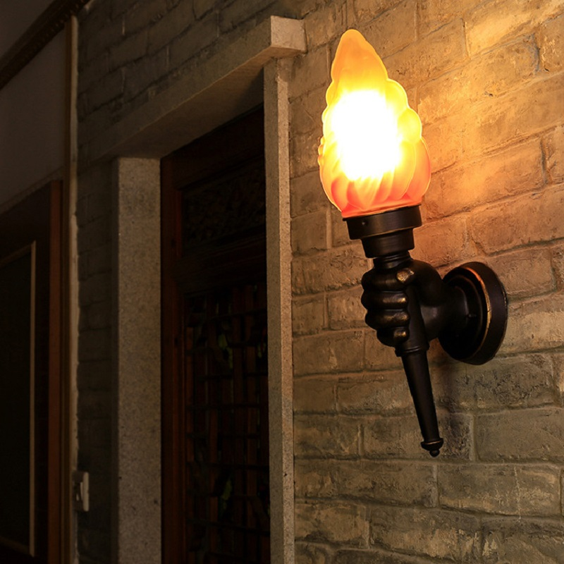 Creative Retro Industrial Torch Hand Wall Lamp Emulation Flame Effect Light for Restaurant Cafe Bar Porch