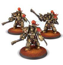 Legio Custodes Aquilon Terminator Squad with Infernus Firepikes