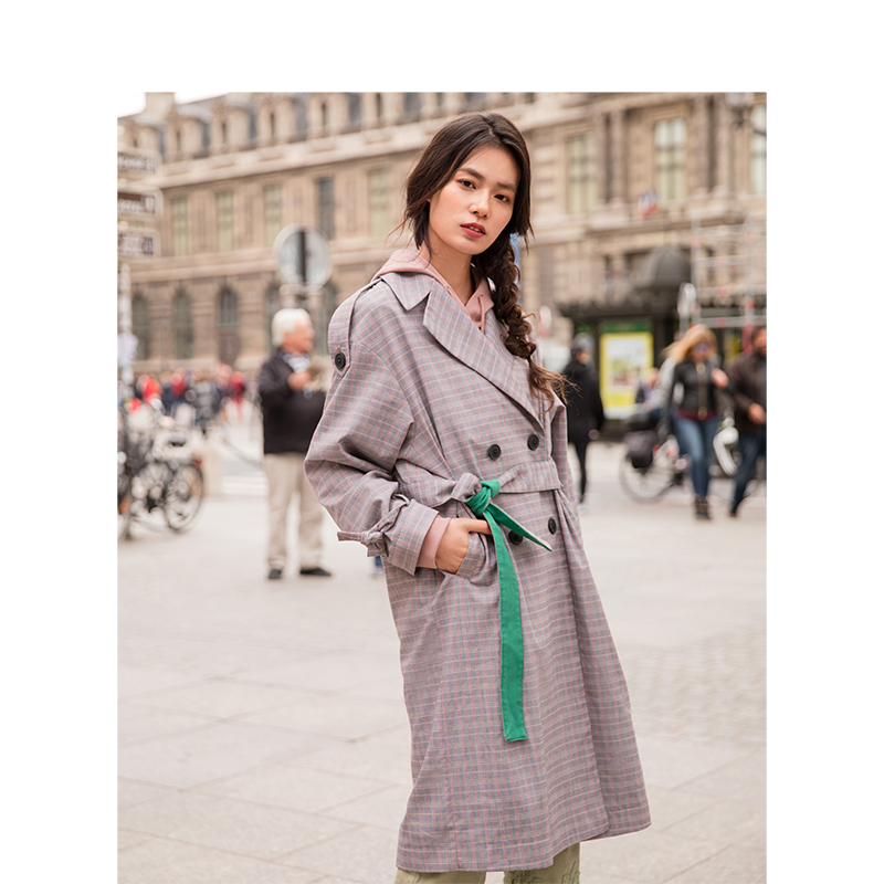 INMAN Spring Autumn Turn Down Collar Plaid Hongkong Style Casual Loose Long Sleeves Women Long Coat