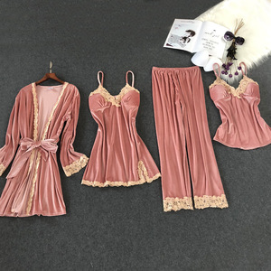 Image 3 - Lisacmvpnel 秋と冬の新ゴールドベルベット 4 個パジャマセクシーなレース暖かいカーディガン + Nightdres + パンツパジャマ女性のためのセット