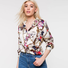2019 European and American womens spring new hot long-sleeved chain printed shirt free shipping