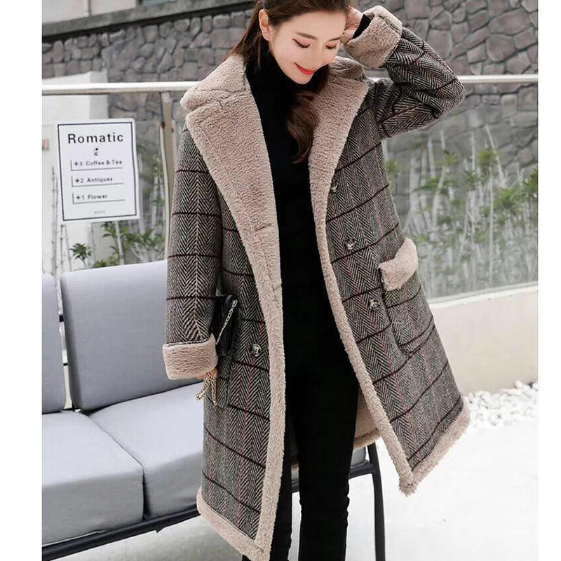 Lamb fur-padded 2018 winter women's new loose-fitting mid-length padded check wool coat, cotton-padded jacket