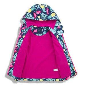 Image 2 - Kızlar su geçirmez ceketler dış giyim spor ceket rüzgar geçirmez Polar Polar sıcak tutan kaban sonbahar çocuk ceket çocuklar rüzgarlık kapüşonlu