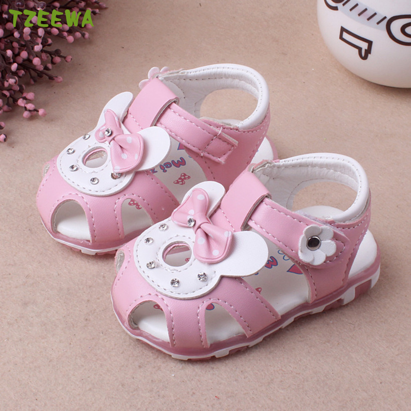 2020 New Baby Girl Sandals Led Light Summer Shoes For Baby Girl Toddler Sandals Princess Soft Baby Shoes Newborn Baby Sandals