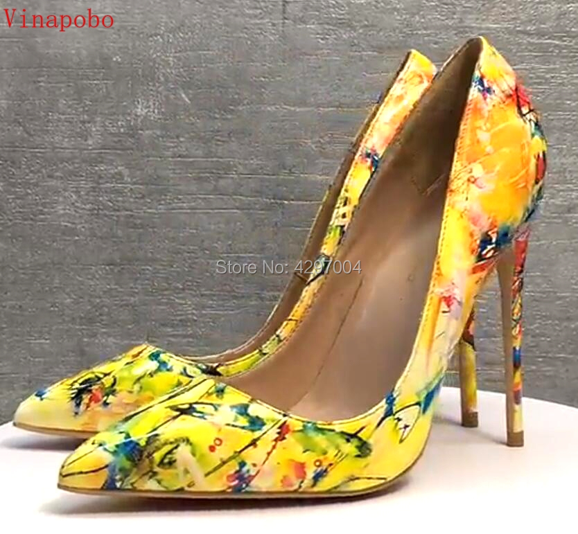 Women yellow Blue flowers printing pumps Patent Leather sexy pointed toe Stilettos high heel party wedding shoes 12cm stilettos-in Women's Pumps from Shoes    1