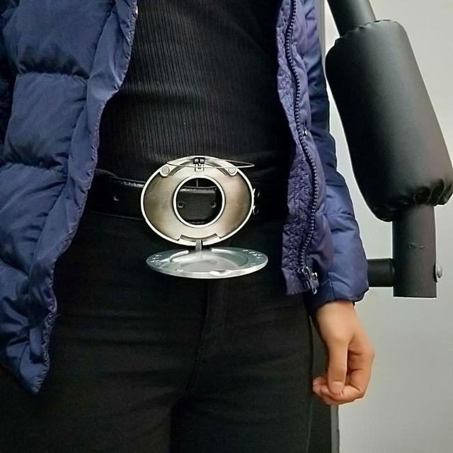 belt buckle that holds a canned or bottled drink.