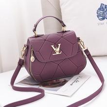 2018 Luxury Brand Famous Designer V Style Women Crossbody Shoulder Bag  Clutch For Girl Loui Handbag 57b0554e48978
