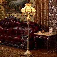 Nordic стоячие лампы для гостиной Европейский торшер спальня прикроватная подставка свет смола цветок лампа дома деко светильник