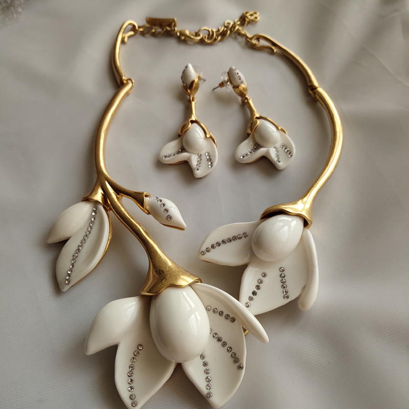 Copper White Resin Magnolia Flowers Short Necklace Earrings Jewelry Set